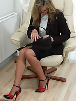 office girl flashes in nylons
